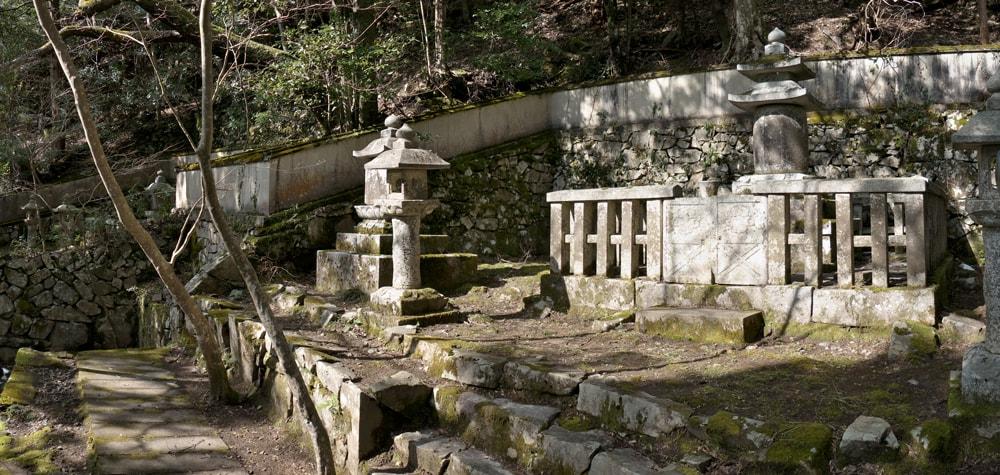 井伊家の霊廟(いいけ の れいびょう)